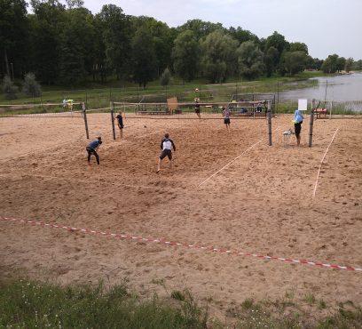 Atzeles pludmales volejbola III posmā noskaidroti uzvarētāji